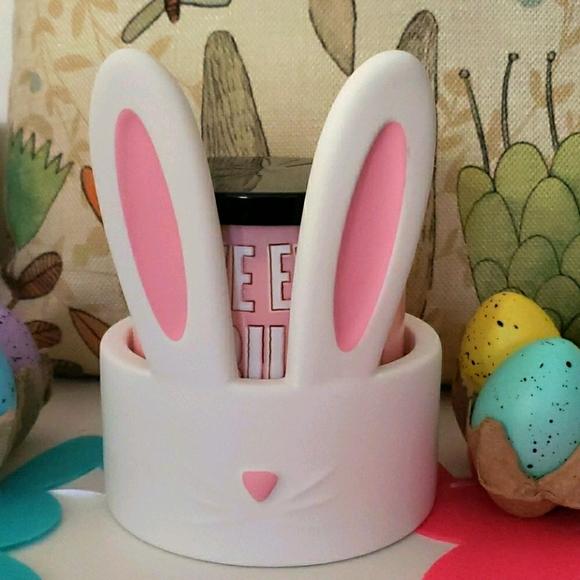 🐰Bath & Bodyworks 3-wick Bunny Candle Holder